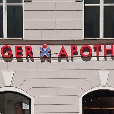 BlaueApotheke-Passau-Oeffnungszeiten-2